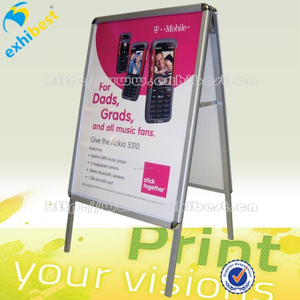 How to make poster board stand up
