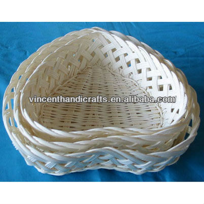 Heart shape handmade white rattan weave fruit baskets