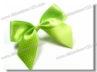 solid green ribbon bow on the back of kneet socks