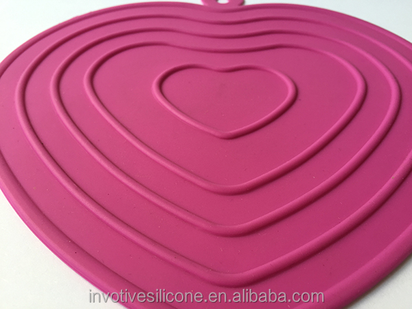High quality heart shape silicone mat silicone pot holder