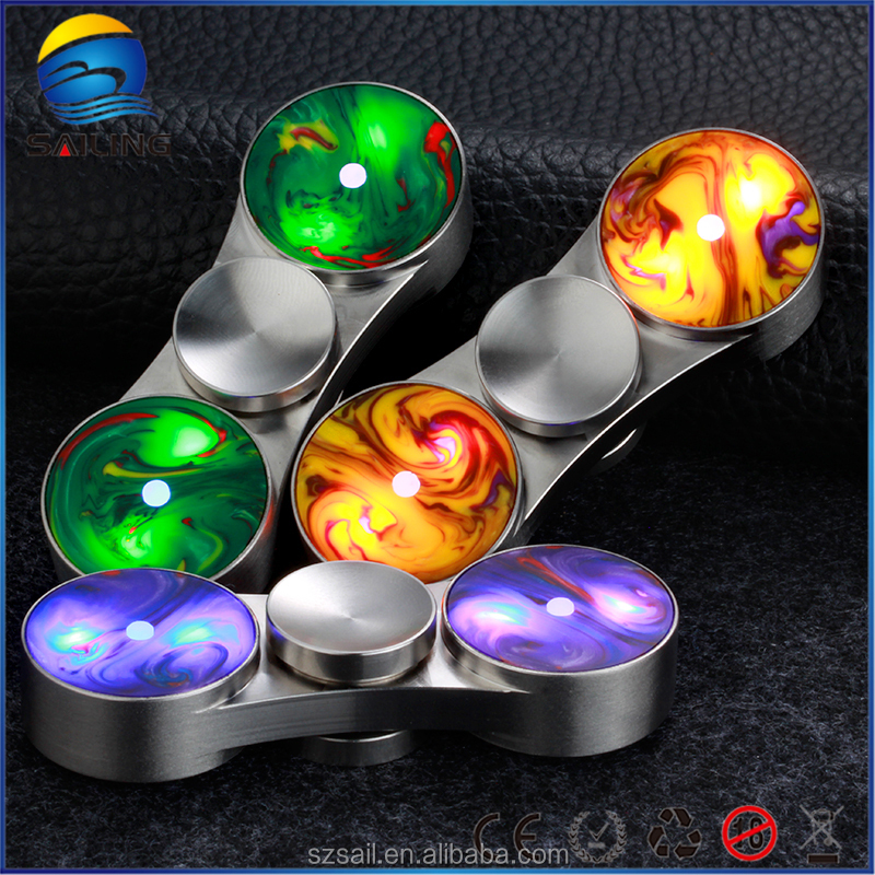 2017 high quanlity Customized Magical relax the pressure light spinner toy