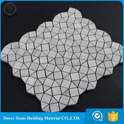 white marble crown moulding