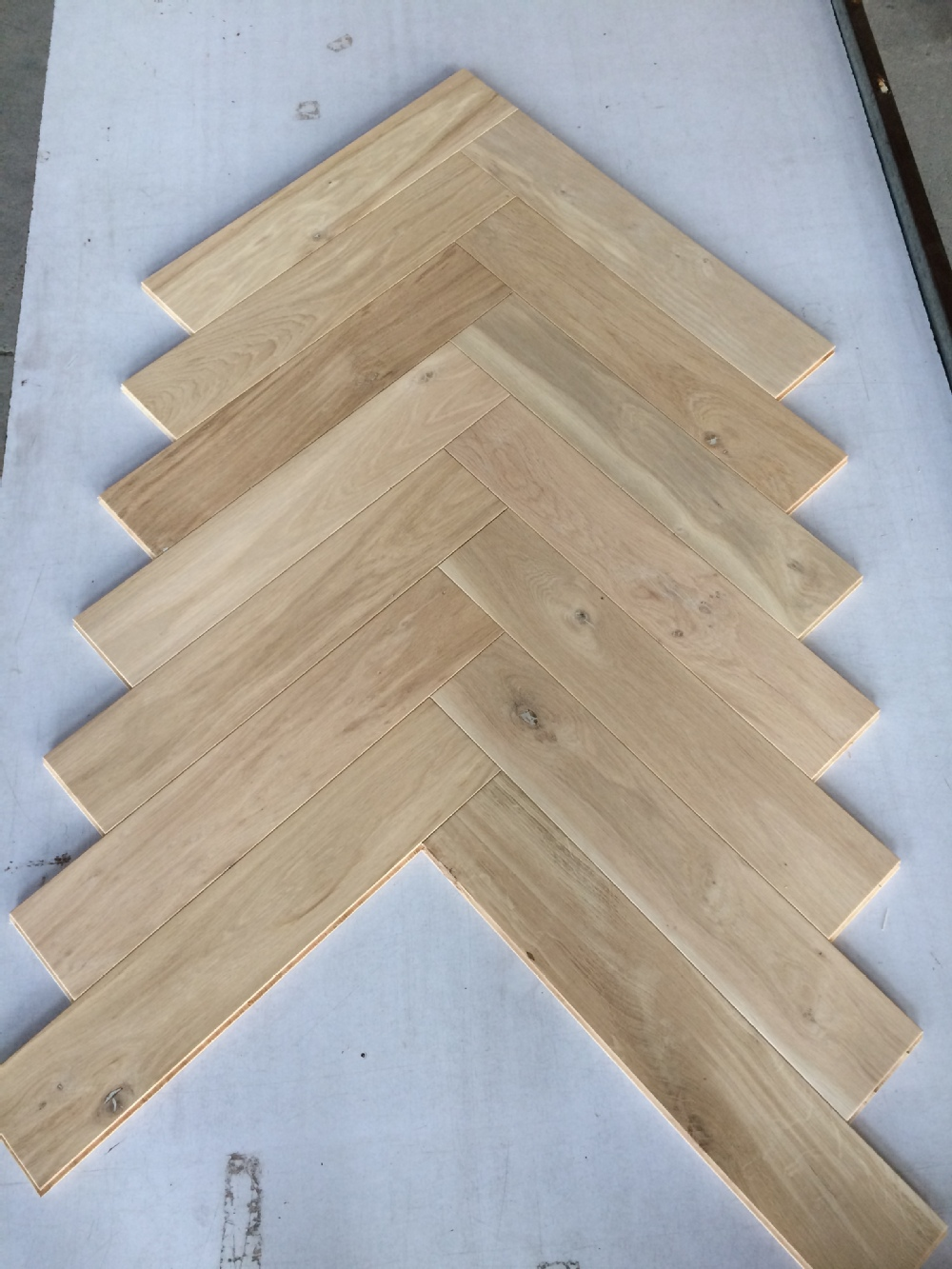 Engineered herringbone white oak hardwood flooring buy for Engineered wood flooring manufacturers