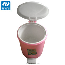 Plastic trash bin with pedal bin pink