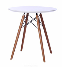 FC-DT-019 round plastic dining room table with wooden lges
