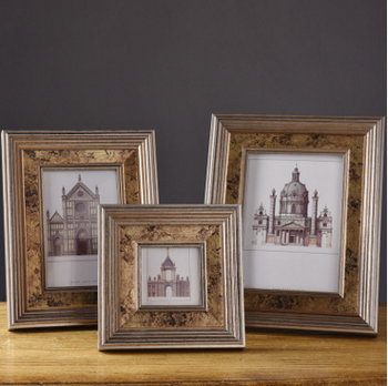 American retro style wood photo frame