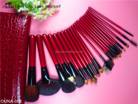 Alibaba wholesale 2015 makeup brush with wood hand