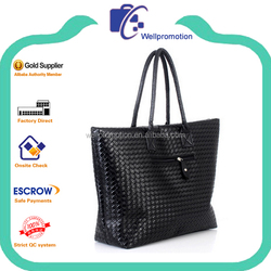 Fashionable cheap woven pu leather womens handbags
