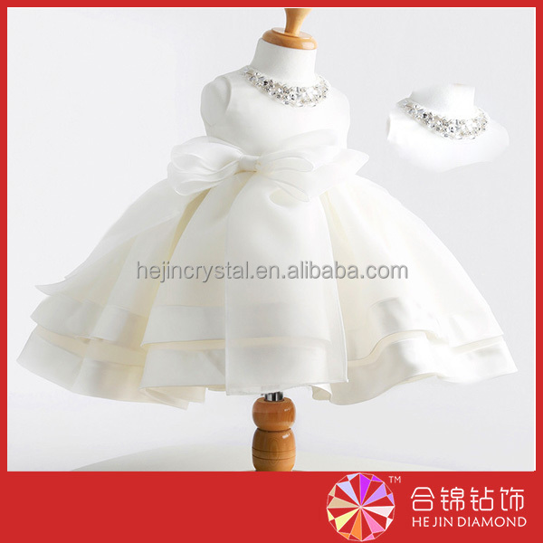 Popular rhinestone crystal China factory direct sell glass chaton for children frocks designs