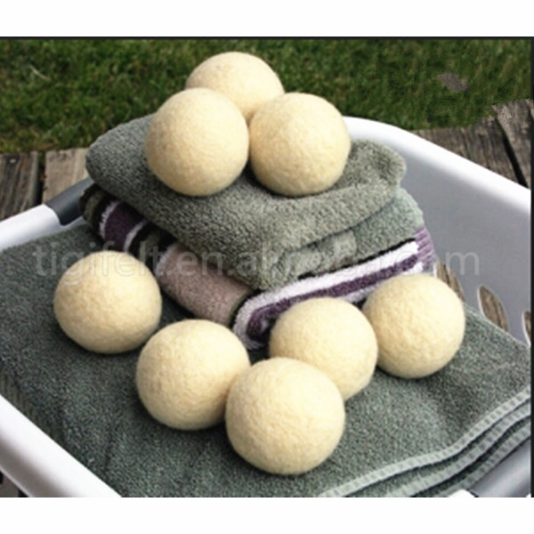 100% New Zealand handmade wool dryer balls