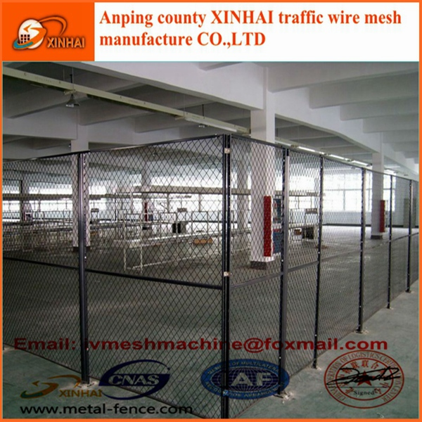 Steel wire mesh fence for equipment protecting