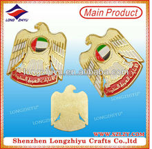 Eagle shape souvenir gold plated Dubai lapel badge,clothing metal iron lapel pin,collar lapel badges maker