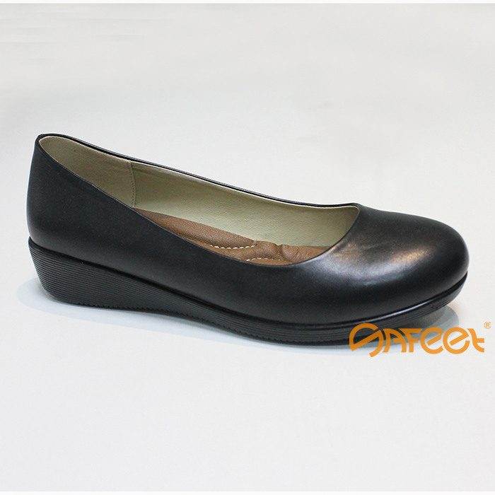 Pretty Wide Ladies Shoes