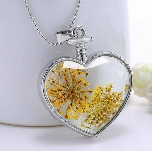 Luxury Dried Flower Plants Glass Solid Love Heart Locket Pendant Necklace Women Fashion Jewelry