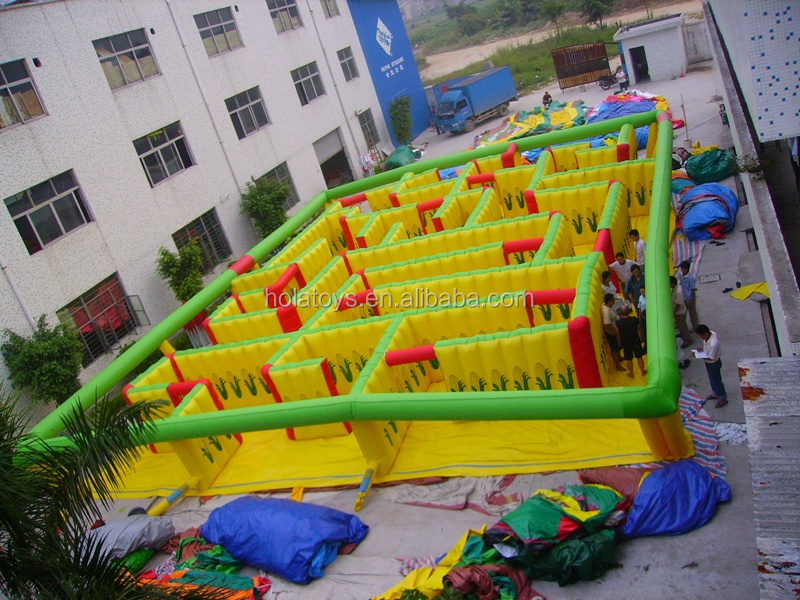 inflatable maze (2).JPG