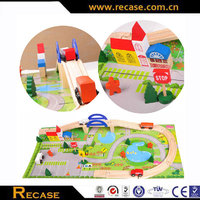 Educational toys type wooden train track set
