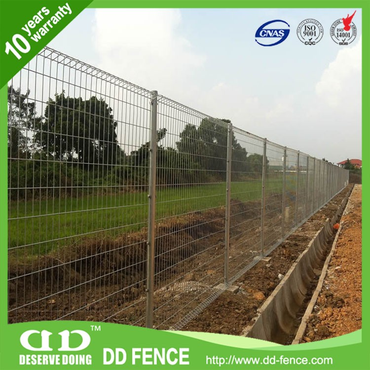 Decorative roll top fence wire fencing vinyl