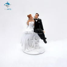 Best sale handmade couple resin craft wedding party decoration