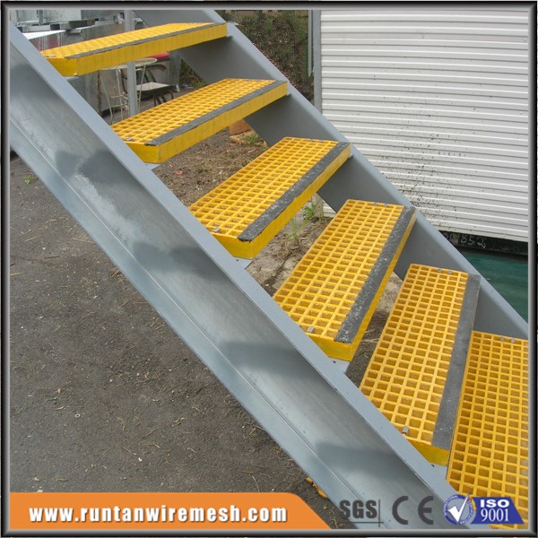 Outside gritted step stairs minimesh frp grating