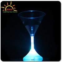 high quality led goblet martini cocktail wine cups for bar , KTV and festival decoration, promotional flashing light up glass