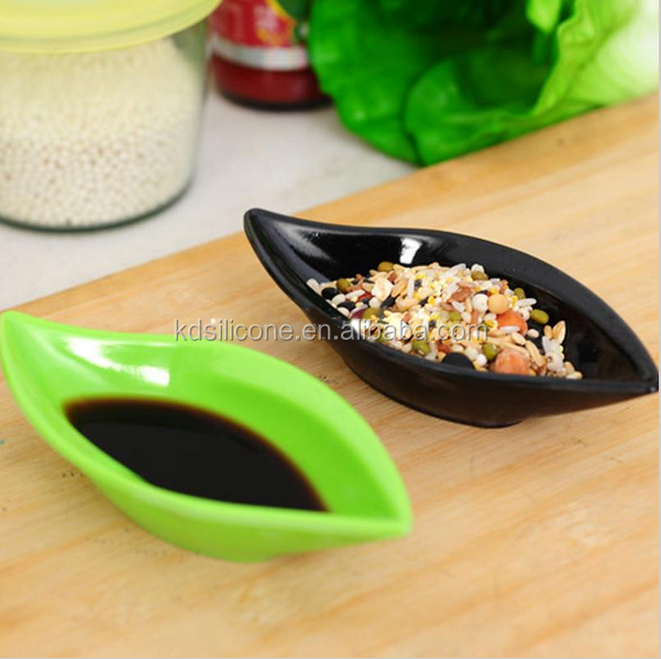 elastic silicone fruit plate, Leaf shape silicone plate,prevent fade silicone Small Dishes