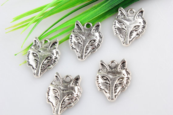 Customized antique silver wolf animal man charms alloy wolf head pendant for DIY accessory