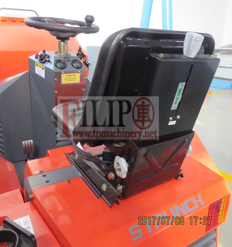 Multifunctional hot sale high quality with best price approved by CE EPA Europe standard new hydraulic good mini tractor price