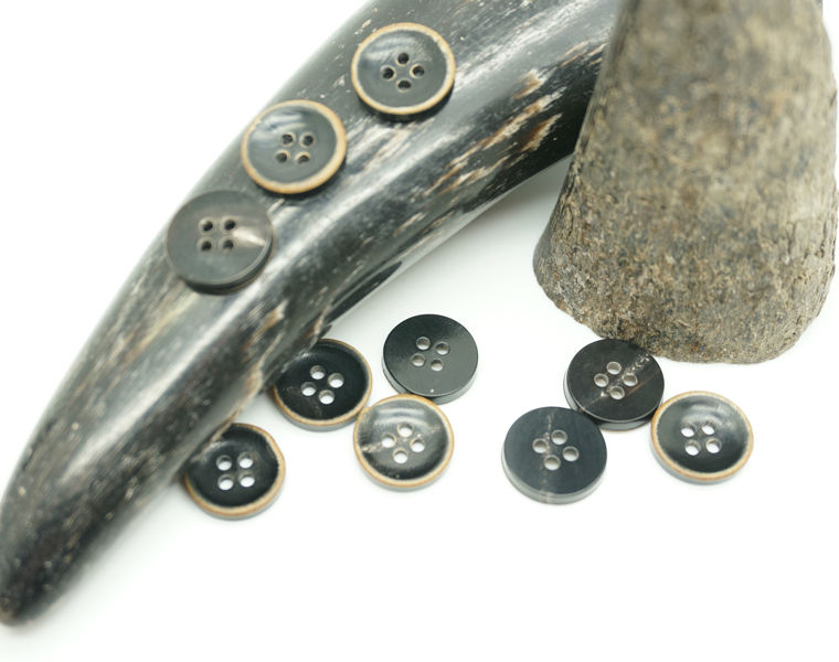 Natural Real Horn Black Buttons Round 4-Hole Buttons for Men's Suits with Burnt Effect