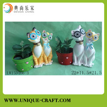 Resin cute cat craft with LED light for home decorations