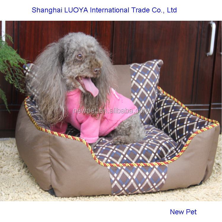 Fine quality import grade monoclinic lattice bed painted dog house with back