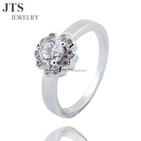 White Flower Cubic Zirconia Wedding Bands or Rings 18K White Gold Plated Copper Jewelry for Wholesale R369