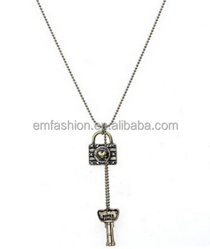 Fashion New Vintage Harajuku Lock Key Pendant Women's Chain Necklace