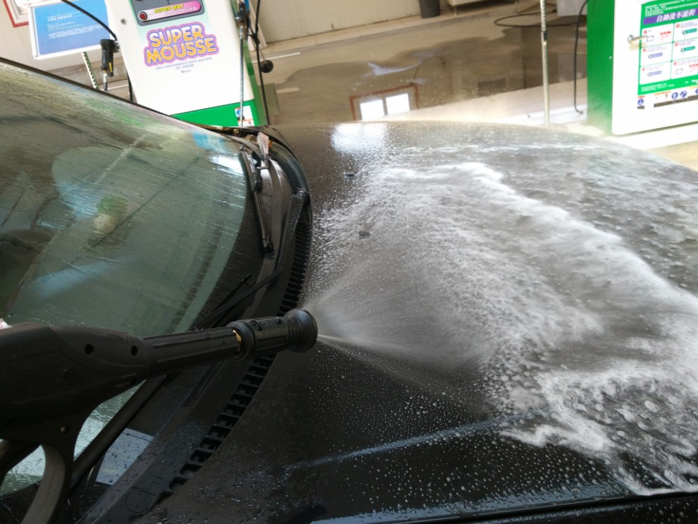 Manually operated auto vehicles cleaner