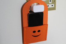 New Product Practical Wall Hanging Felt Cell Phone Charger Holder