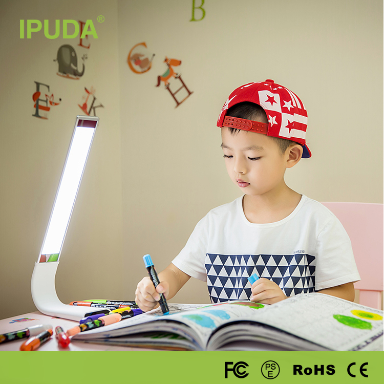 2017 unique gift items for kids IPUDA gifts for boys Q3 touch dimmable table lamp