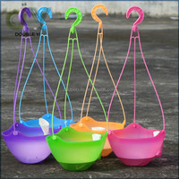 China Manufacturer Plastic Self Watering Hanging