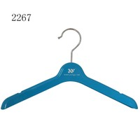 Fashionable non-slip kids coat hanger with rubber coated