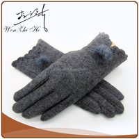 Hot Sale Ladies Winter Party Sheepskin Gloves With Ball