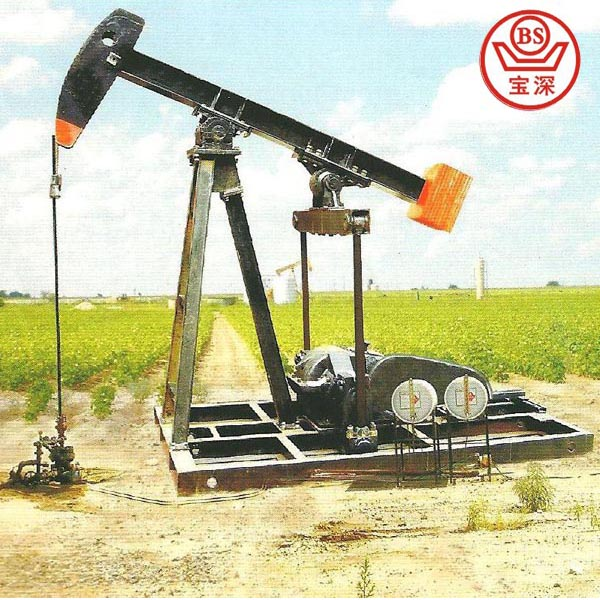 Low energy consumption oil well exploring machine