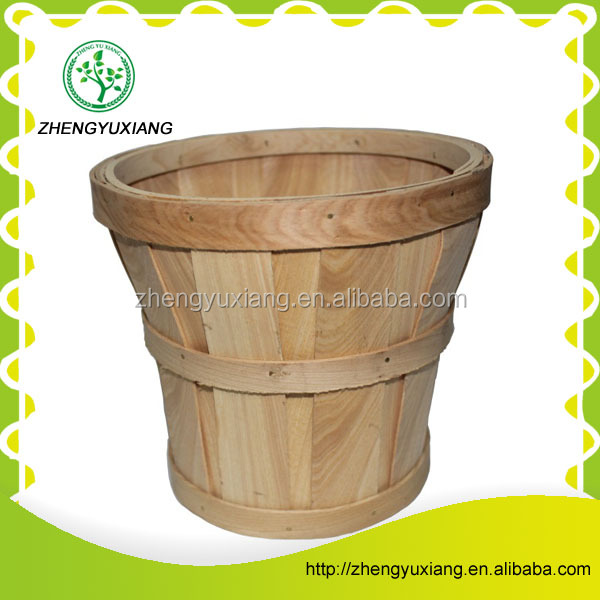 Mini wooden basket for little things