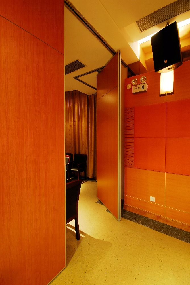 Movable soundproof partition wall for Hotel/Multi-purpose Hall