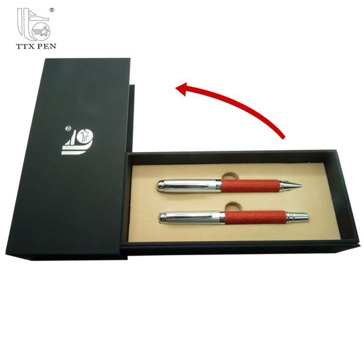 company men promotional Gift Sets with ball pen roller pen Car Charger