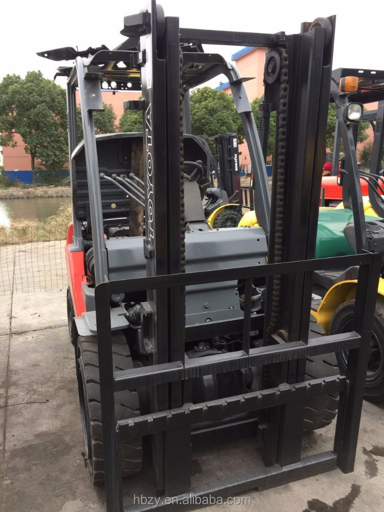 Cheap Price Second-hand Used Japan Toyota 3 ton 2 Masts Forklift for sale