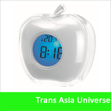 Hot Selling custom cheap apple shape desk clock