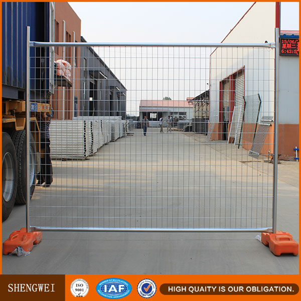 Mobile galvanized temporary security fencing