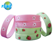 Popular Kids Flowers/strawberry Silk Screened Printed Silicone Wristbands