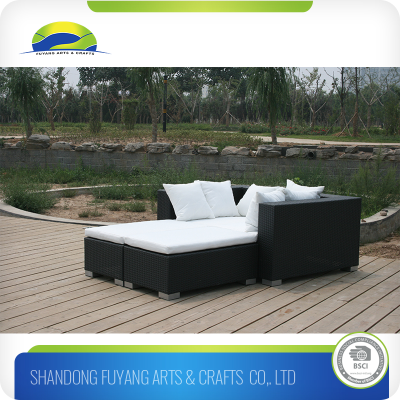 2016 High Quality Deep Seating Rattan Sofa With Footrest