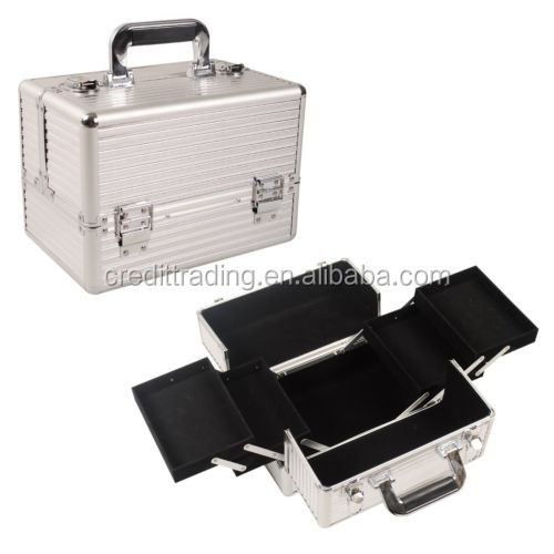 black aluminum cosmetic case with handle