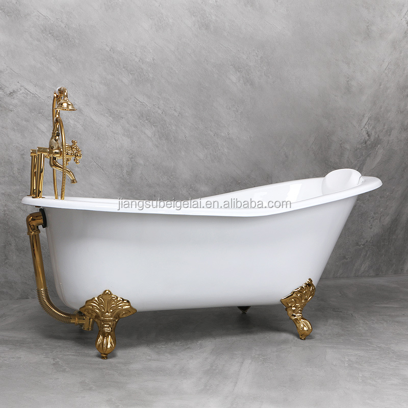 Single slipper cast iron clawfoot freestanding bath tub with white enamelled