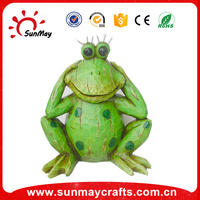garden ornament frog figurine